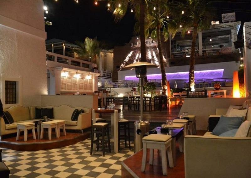 Koo Club em Santorini